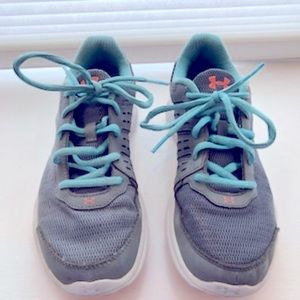 Under Armour UA Micro G Girls Sneakers size 6 used